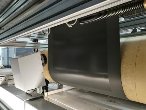 Automatische Steuerung des Klebstoffauftrags in der Automobilindustrie