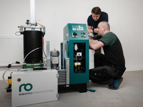 Online školení údržby lepicích strojů