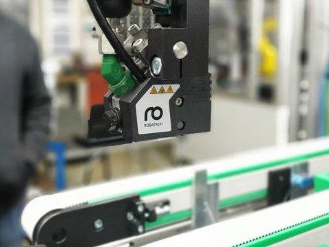 Gluing of cardboard packaging