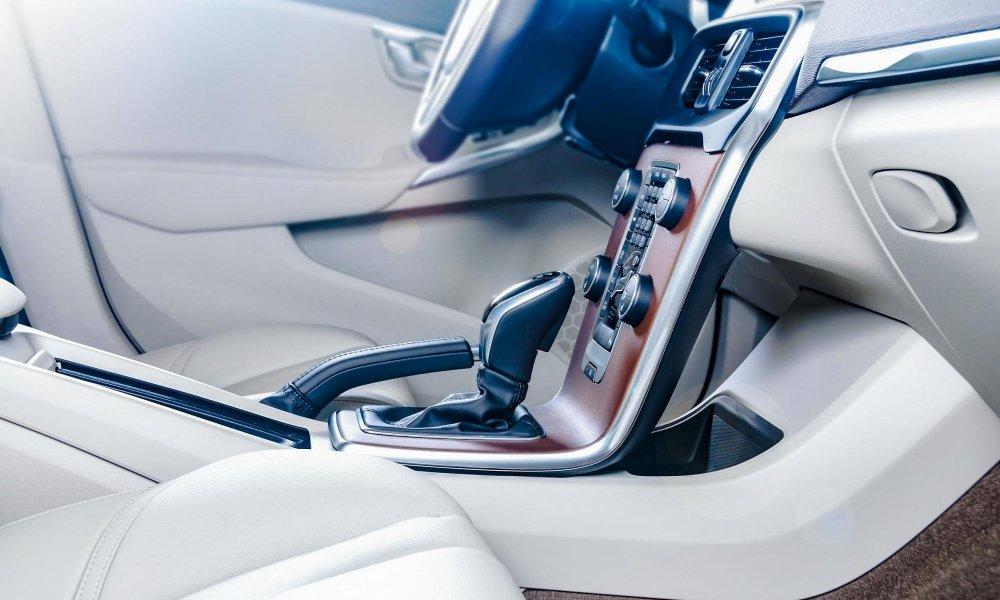 Technologie lepení pro automotive